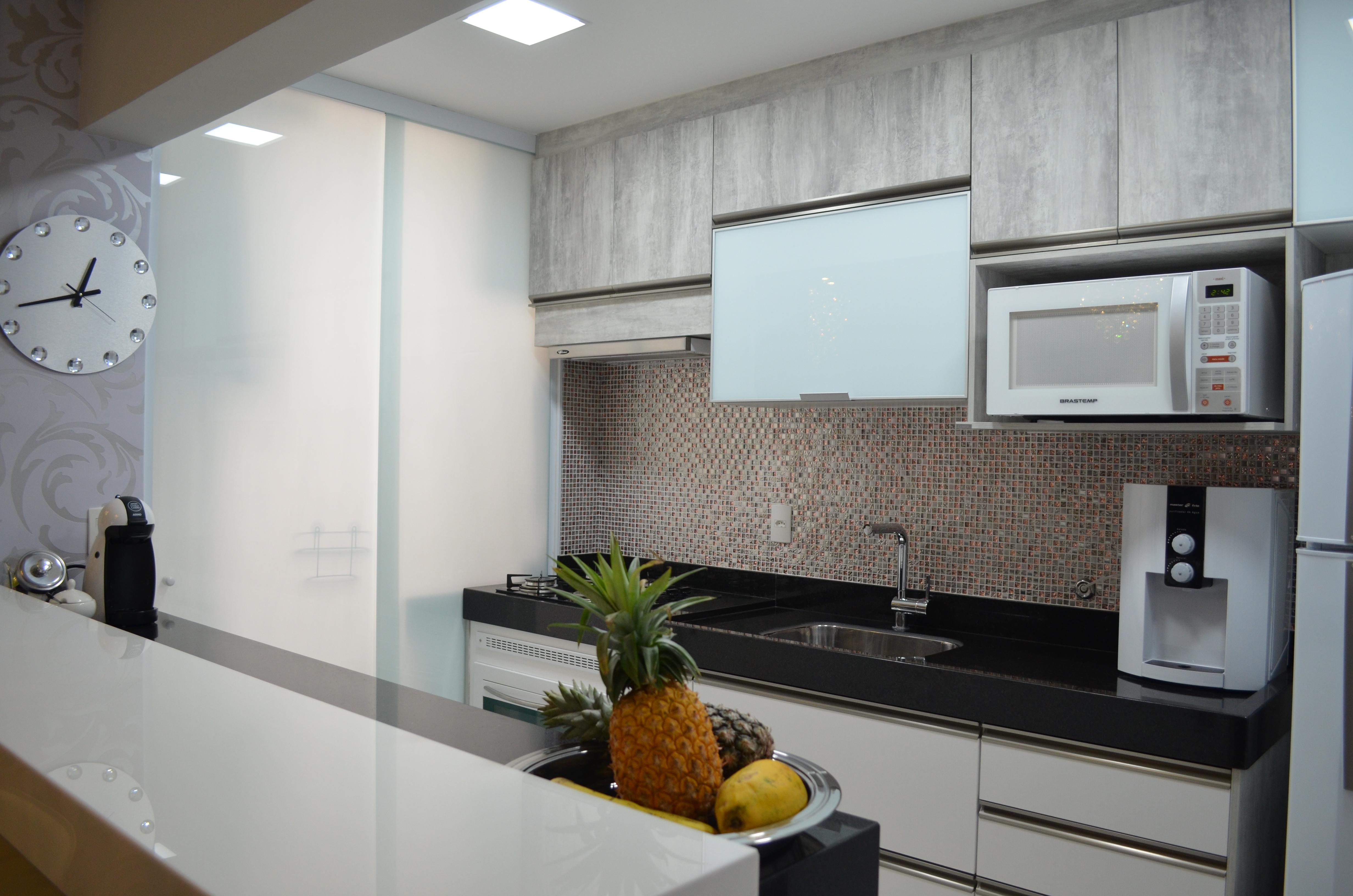 gosta de receber amigos a sala é ampla e integrada com a cozinha #5E472F 4928 3264
